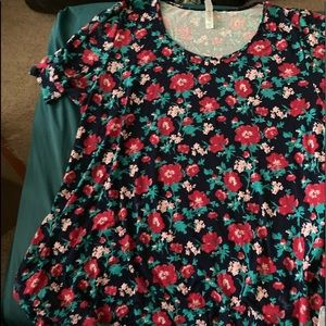 Lularoe Floral Perfect T